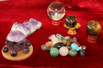 หมอมีน หินศักดิ์สิทธิ์, หินนำโชค